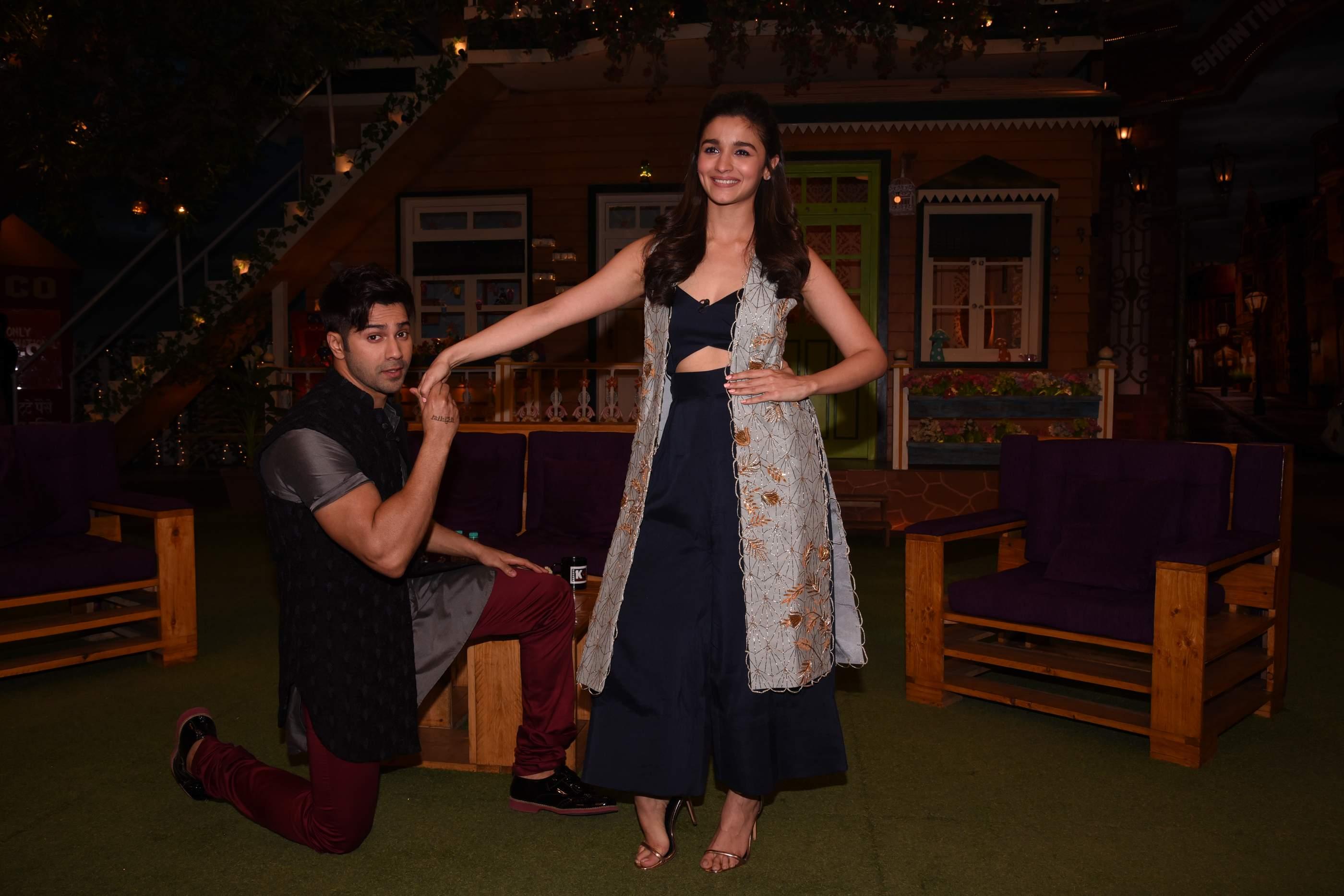 Super Cute Pics Of Alia Bhatt | Badrinath Ki Dulhania Super Cute Pics Of Alia Bhatt | Badrinath Ki Dulhania Alia Varun at Kapil Sharma Sets 100