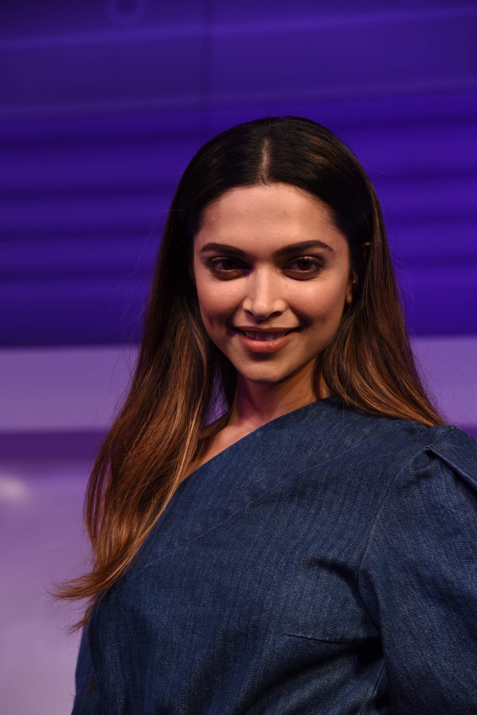 Beautiful Deepika Padukone, Soha Ali Khan & Neha Dhupia Beautiful Deepika Padukone, Soha Ali Khan & Neha Dhupia Gilette 134
