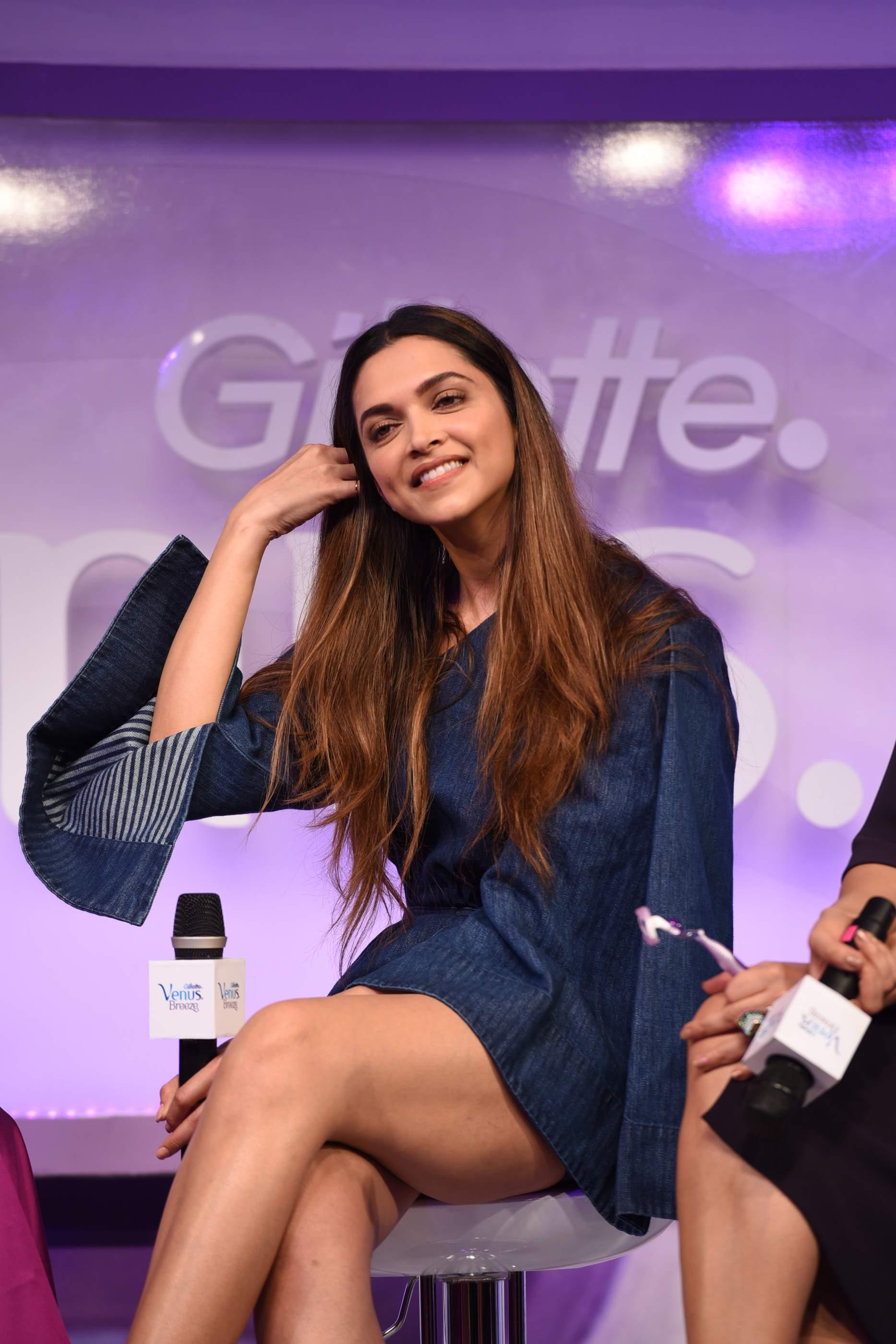 Beautiful Deepika Padukone, Soha Ali Khan & Neha Dhupia Beautiful Deepika Padukone, Soha Ali Khan & Neha Dhupia Gilette 93