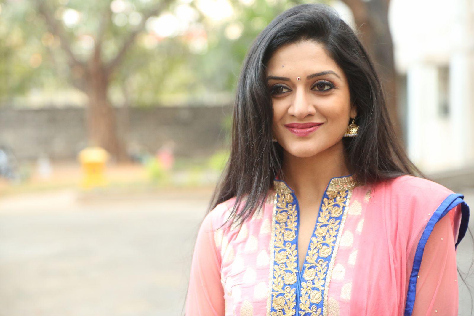 Brand New Photo Stills Of Beautiful Actress Vimala Raman | Film Industry
