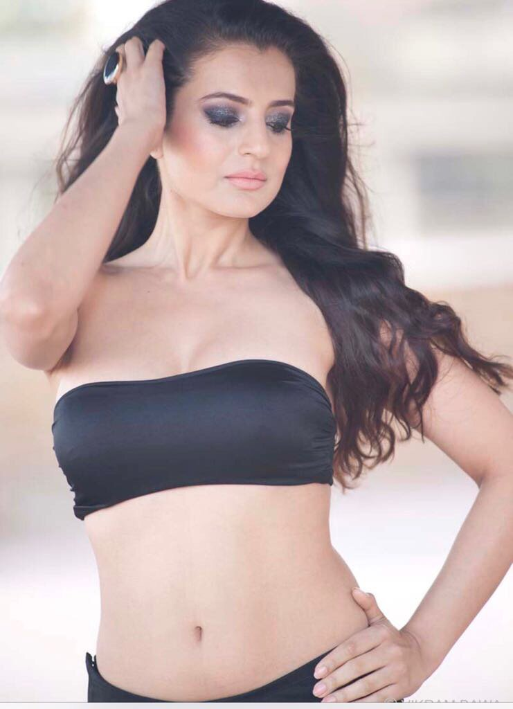 HOT Actress Ameesha Patel 's SUPER Sexy Photo Stills | Hot HD Pics HOT Actress Ameesha Patel 's Brand New SUPER Sexy Photo Stills HOT Actress Ameesha Patel 's Brand New SUPER Sexy Photo Stills Ameesha Patel Super Sexy Photo Stills 21